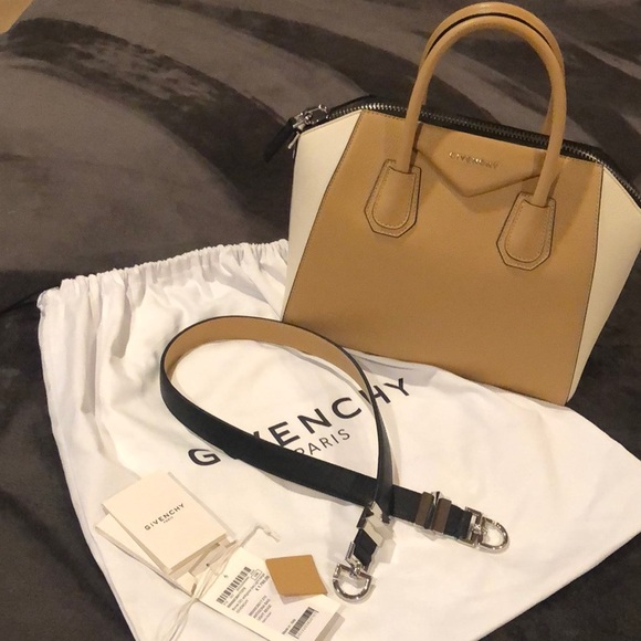 Givenchy Handbags - GIVENCHY Borsa DO Antigona Bag